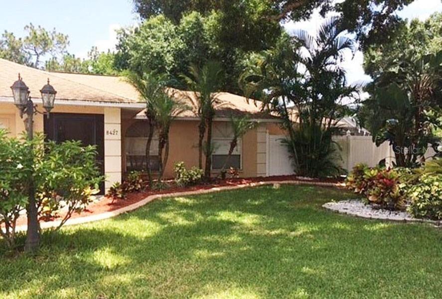 8427 SYLVAN WOODS DRIVE, Sarasota, FL 34243 - #: T3330722