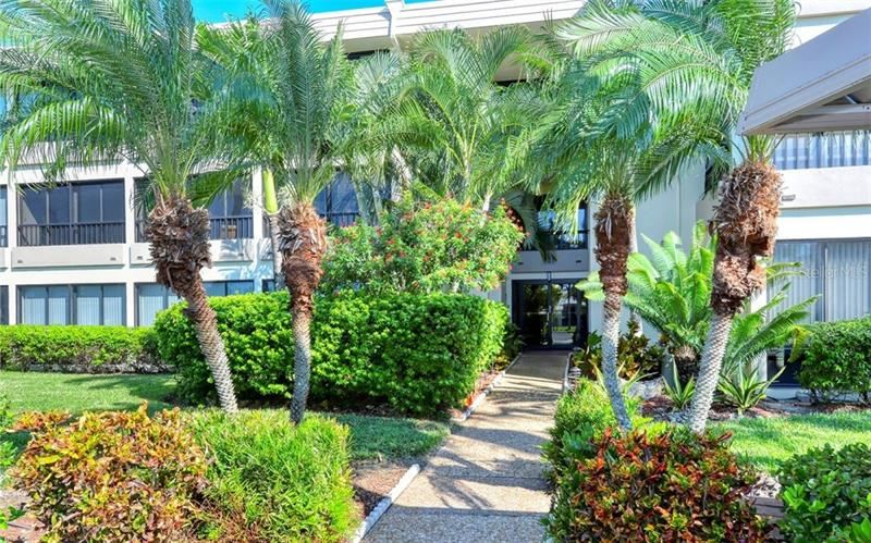 Photo of 101 WHISPERING SANDS DRIVE #208, SARASOTA, FL 34242 (MLS # A4480734)