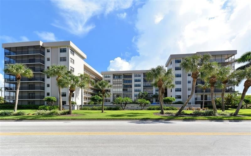 Photo of 1001 BENJAMIN FRANKLIN DRIVE #304, SARASOTA, FL 34236 (MLS # A4461740)