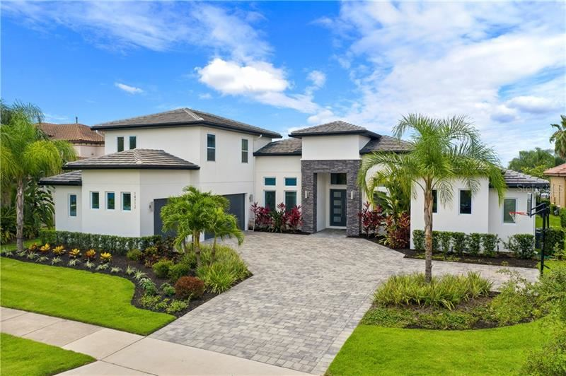 Photo of 14712 AVENUE OF THE RUSHES, WINTER GARDEN, FL 34787 (MLS # O5882742)
