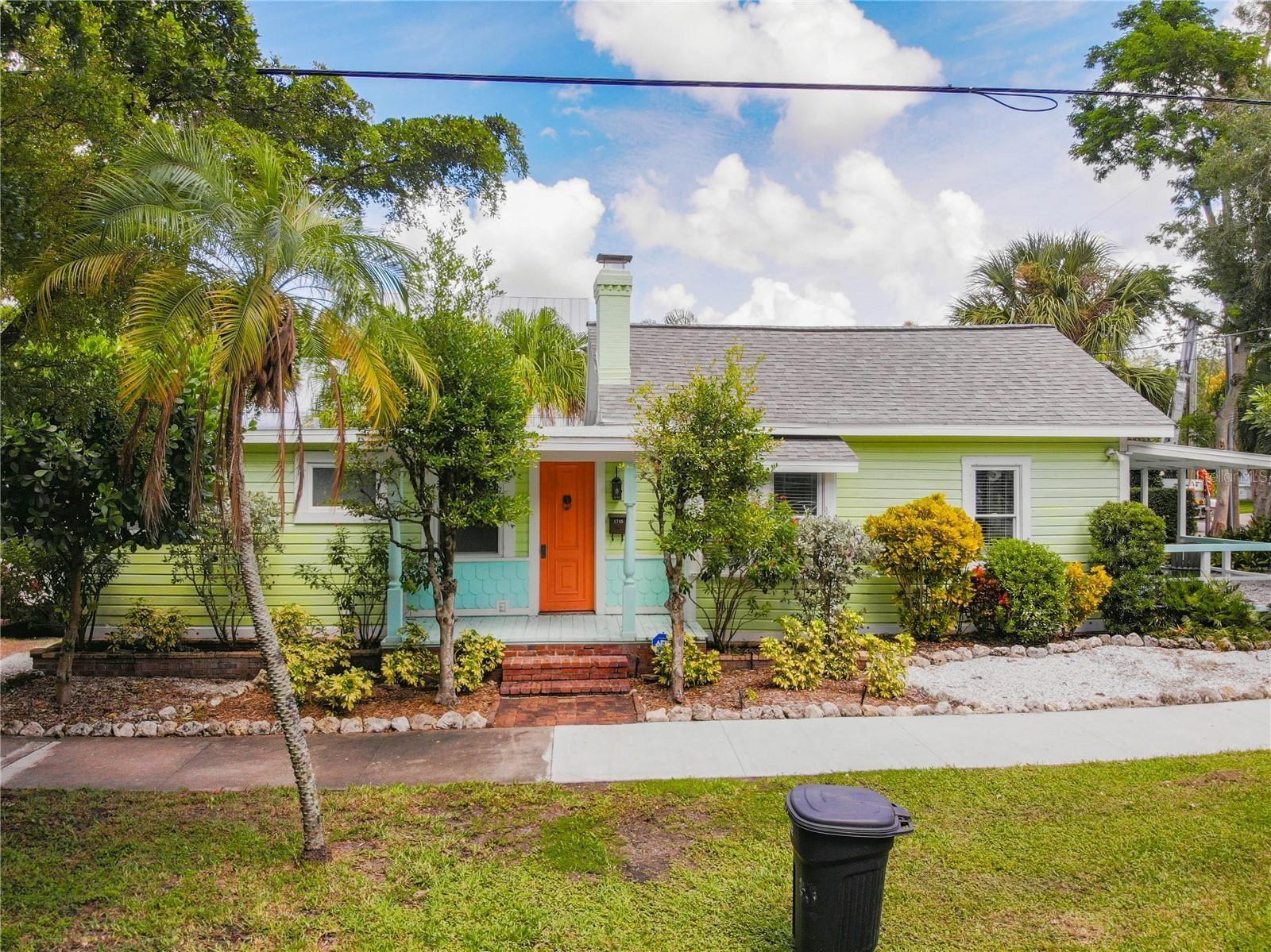 Photo of 1745 OAK STREET, SARASOTA, FL 34236 (MLS # T3329743)