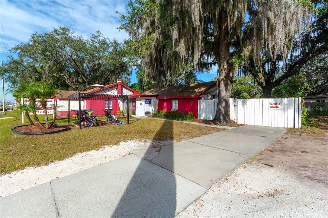 Photo of 321 44TH AVENUE E, BRADENTON, FL 34203 (MLS # A4488745)