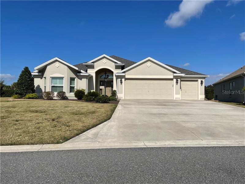 Photo of 4138 MCDOWELL DRIVE, THE VILLAGES, FL 32163 (MLS # G5038746)