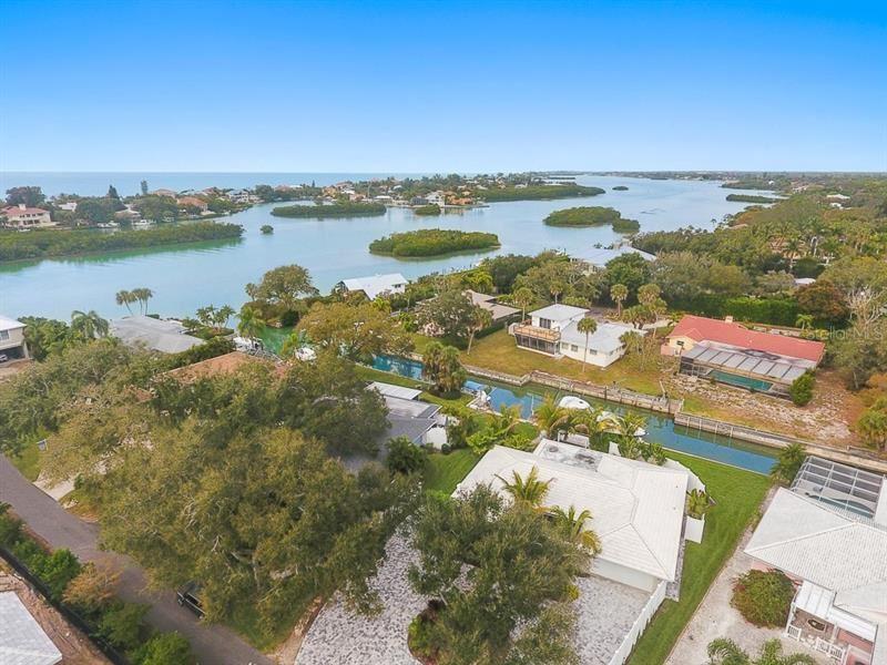 Photo of 611 RAMBLIN ROSE LANE, NOKOMIS, FL 34275 (MLS # A4460749)