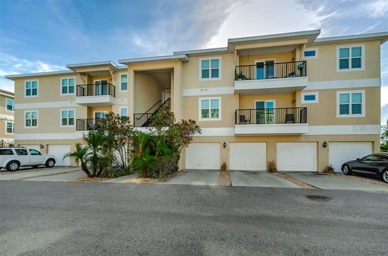 6394 BANYAN BOULEVARD #302, New Port Richey, FL 34652 - #: U8114755