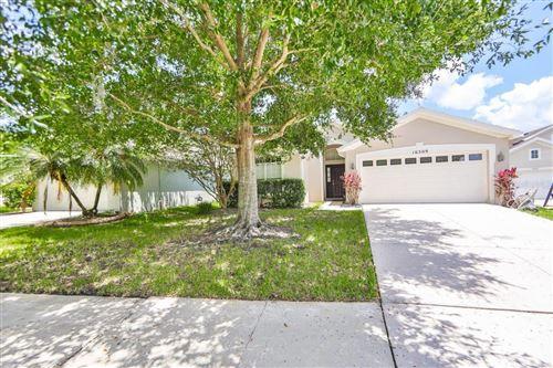 Photo of 16309 BRIDGEGLADE LANE, LITHIA, FL 33547 (MLS # T3320764)