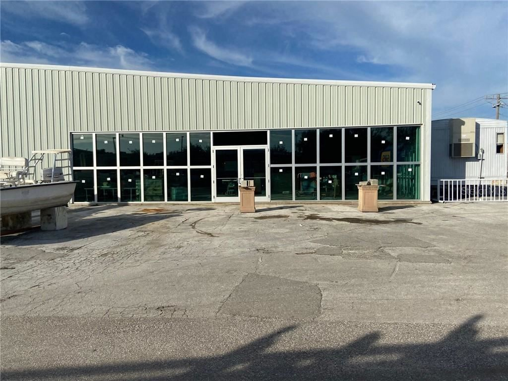 Photo of 7110 21ST STREET E, SARASOTA, FL 34243 (MLS # A4487768)