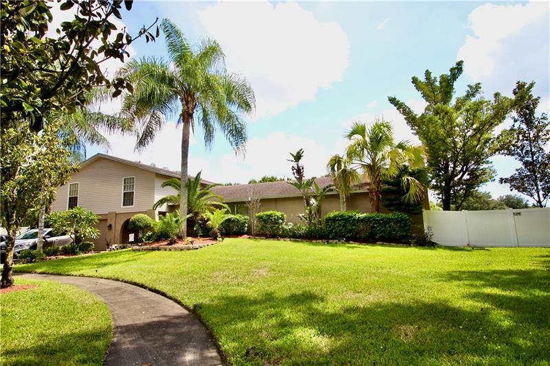 6402 BROOK HOLLOW COURT, Tampa, FL 33634 - MLS#: T3264769