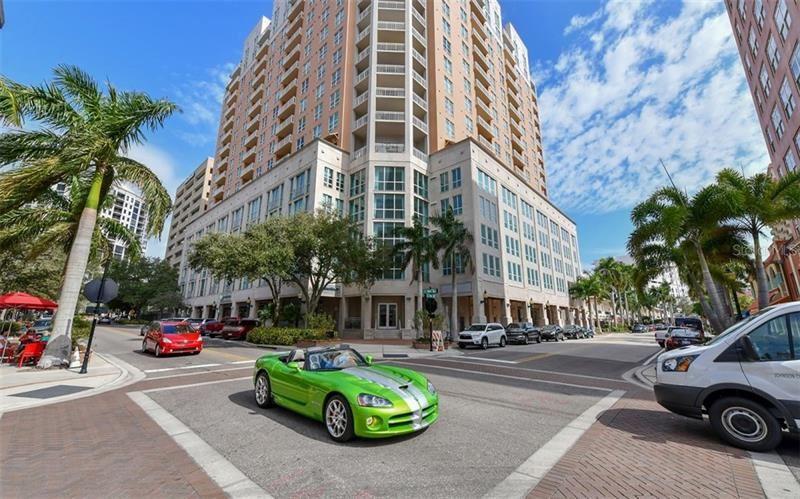 Photo of 1350 MAIN STREET #1706, SARASOTA, FL 34236 (MLS # A4470772)