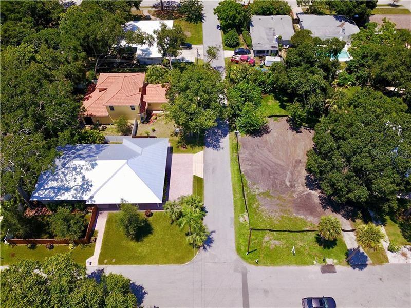 Photo of 1635 S SCHOOL, SARASOTA, FL 34239 (MLS # A4409775)