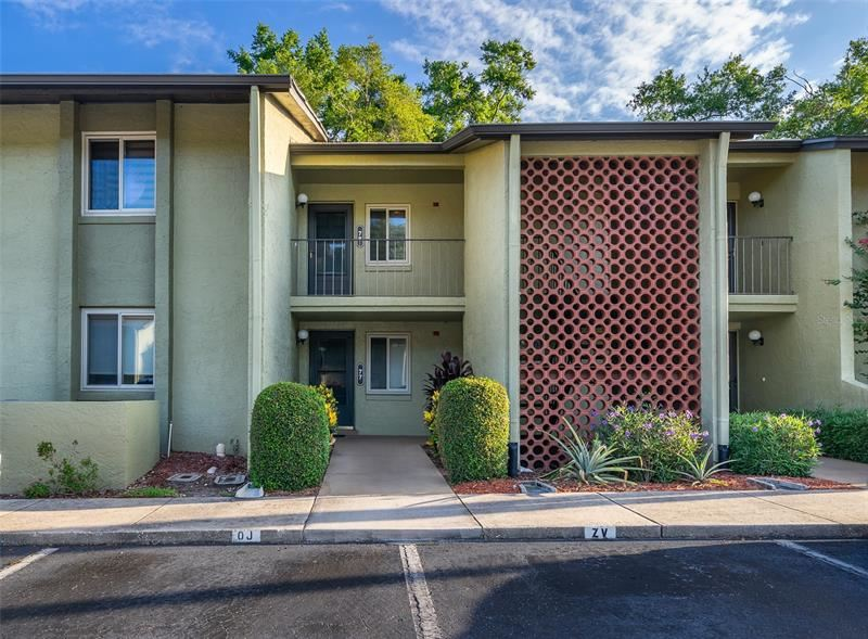 8 ESCONDIDO CIRCLE #77, Altamonte Springs, FL 32701 - MLS#: O5940775