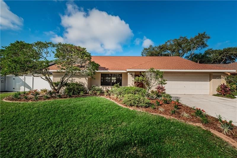 1053 FALCON RIDGE LANE, Palm Harbor, FL 34683 - #: U8101776