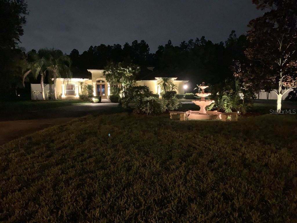 Photo of 19614 WOODLAND MANOR PLACE, LUTZ, FL 33549 (MLS # T3313780)