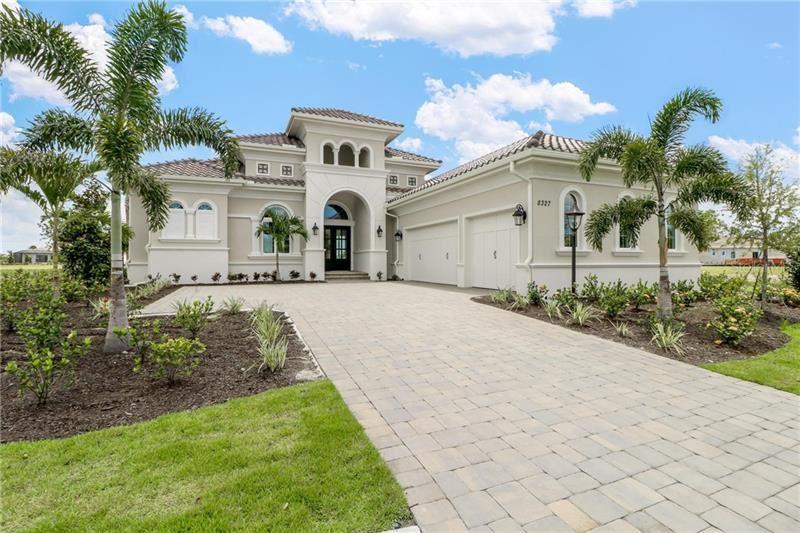 Photo of 8327 LUCERNE LOOP, BRADENTON, FL 34202 (MLS # A4463781)