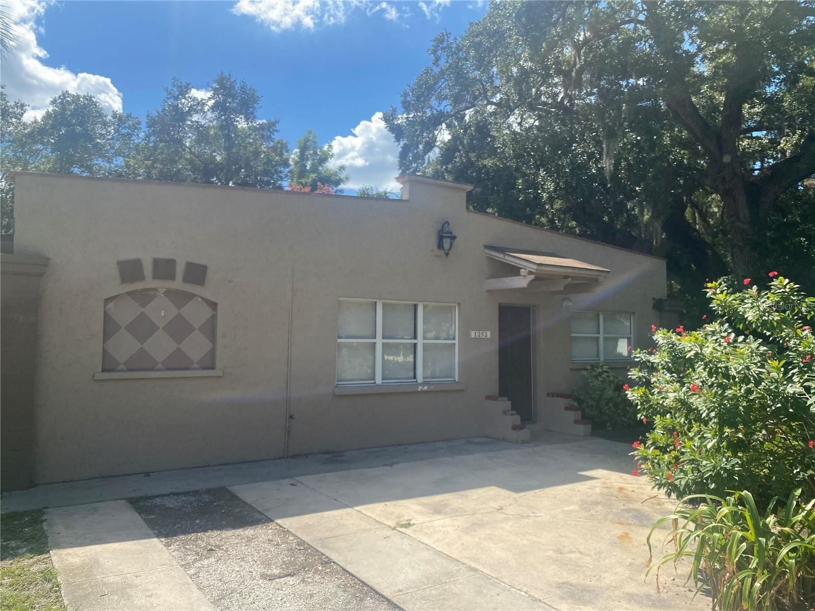 Photo of 1252 HIGHLAND STREET, SARASOTA, FL 34234 (MLS # A4514786)