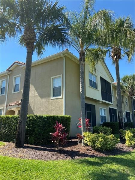 Photo of KISSIMMEE, FL 34747 (MLS # S5033787)