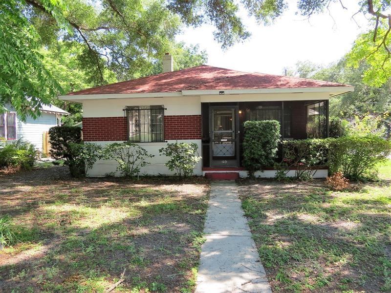 1201 E HENRY AVENUE, Tampa, FL 33604 - MLS#: T3302789