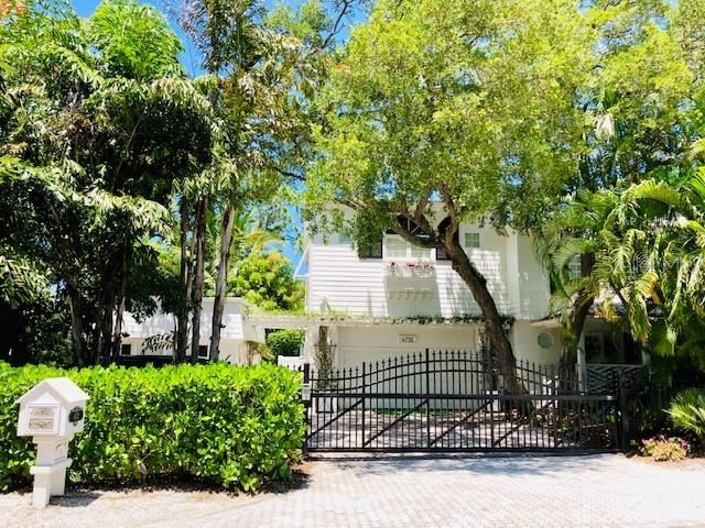 Photo of 4712 HIGEL AVENUE, SARASOTA, FL 34242 (MLS # A4480791)