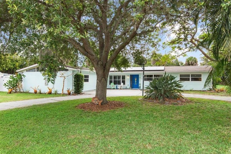 6124 OLIVE AVENUE, Sarasota, FL 34231 - #: A4500797