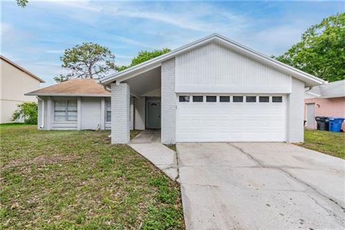 Photo of 13922 BRIARDALE LANE, TAMPA, FL 33618 (MLS # T3298798)