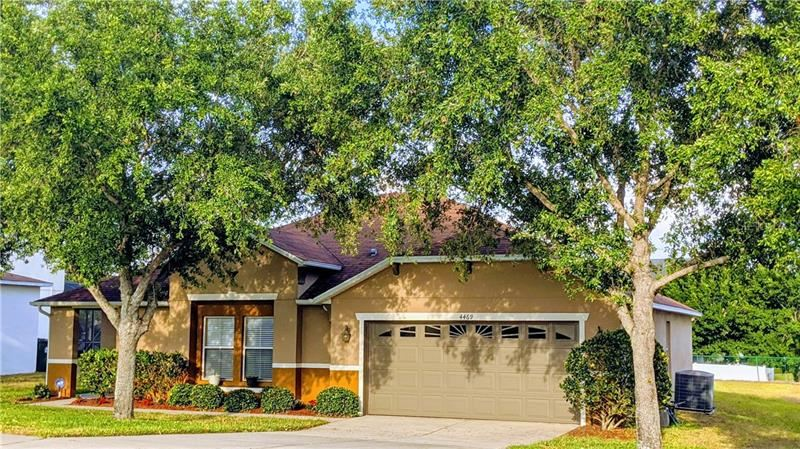 Photo of 4469 BARBADOS LOOP, CLERMONT, FL 34711 (MLS # O5854800)