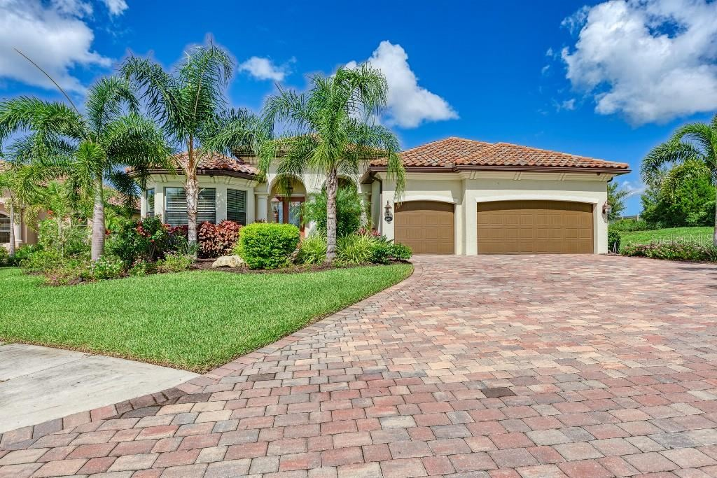 13827 SWIFTWATER WAY, Lakewood Ranch, FL 34211 - #: T3329803