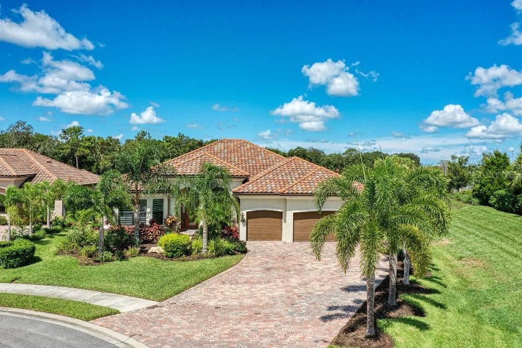 Photo of 13827 SWIFTWATER WAY, LAKEWOOD RANCH, FL 34211 (MLS # T3329803)