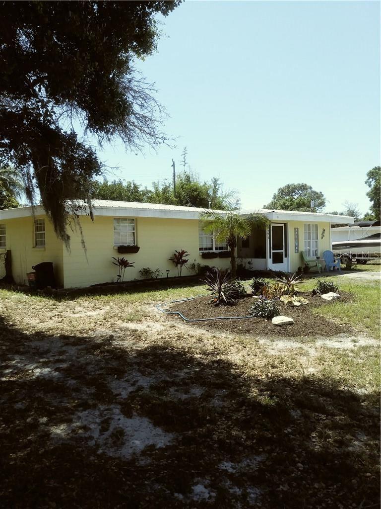 Photo of 271 LAKEVIEW LANE, ENGLEWOOD, FL 34223 (MLS # C7440806)
