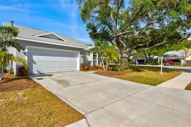 Photo of 4213 SAINT CHARLES DRIVE, SARASOTA, FL 34243 (MLS # A4493807)