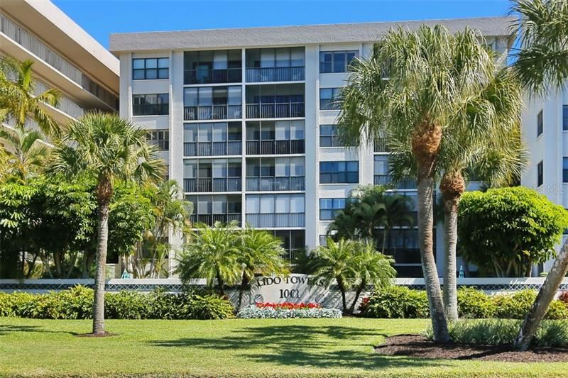 Photo of 1001 BENJAMIN FRANKLIN DRIVE #312, SARASOTA, FL 34236 (MLS # A4471815)