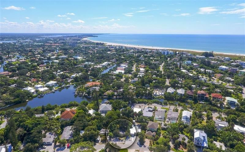 Photo of 642 CALLE DE PERU, SARASOTA, FL 34242 (MLS # A4479817)