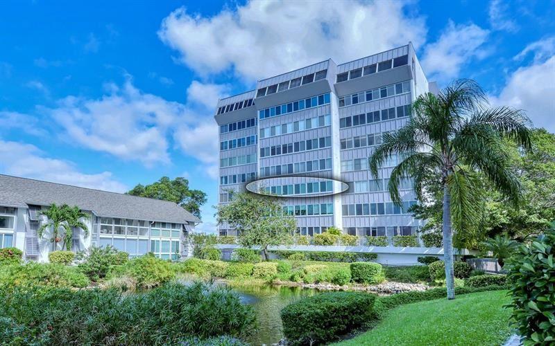 Photo of 1080 W PEPPERTREE LANE #305A, SARASOTA, FL 34242 (MLS # A4499821)