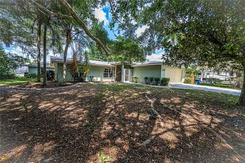 Photo of 9039 E RIVER ROAD, VENICE, FL 34293 (MLS # D6111825)