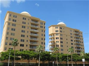 Photo of 128 GOLDEN GATE POINT #401B, SARASOTA, FL 34236 (MLS # A4408828)