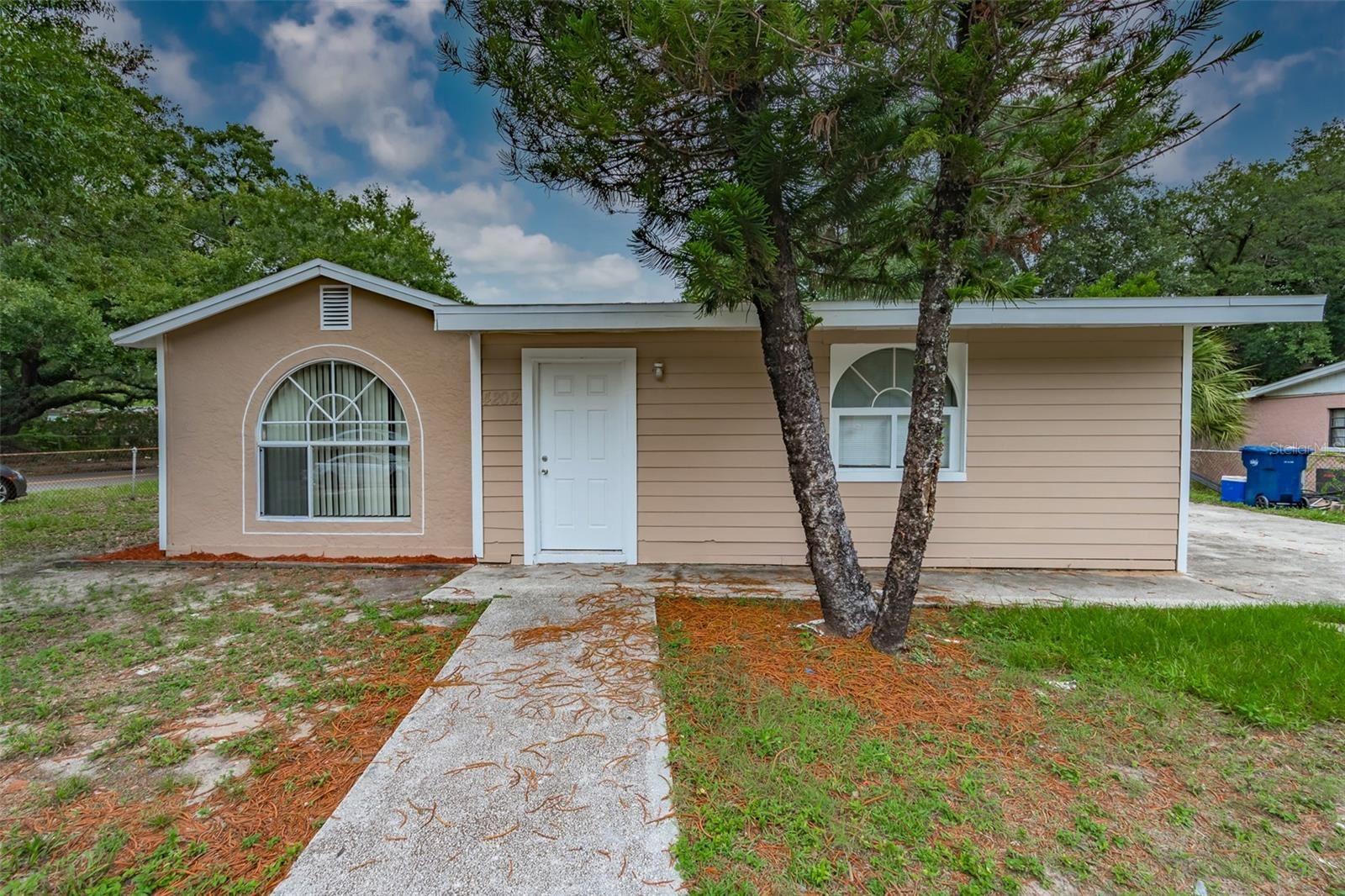 4202 E HENRY AVENUE, Tampa, FL 33610 - MLS#: T3313829