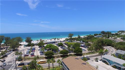 Photo of 400 MANATEE AVENUE, HOLMES BEACH, FL 34217 (MLS # U8126831)