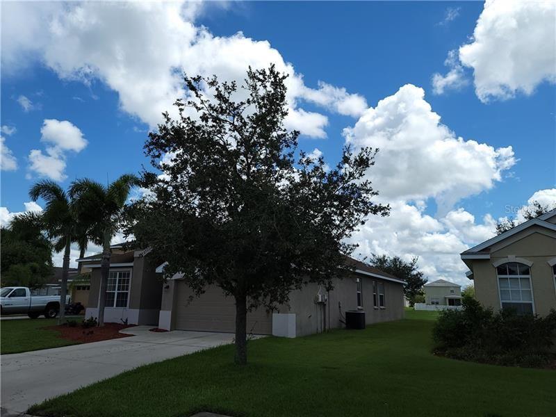 Photo of 7218 50TH PLACE E, PALMETTO, FL 34221 (MLS # A4477833)