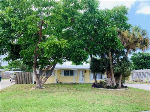 Photo of 6727 NORTHAMPTON PLACE, BRADENTON, FL 34207 (MLS # A4471838)