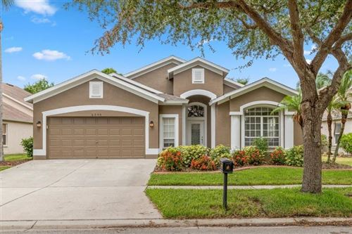 Photo of 6009 MARTINGLADE PLACE, LITHIA, FL 33547 (MLS # T3305839)