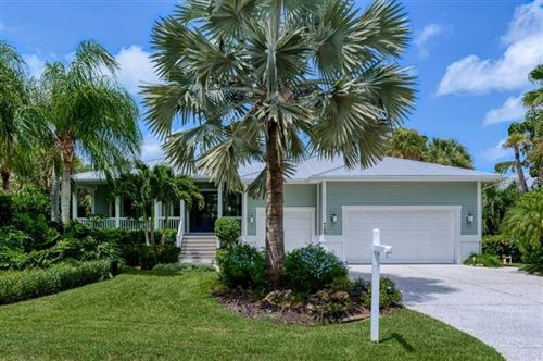 Photo of 725 EAGLE POINT DRIVE, VENICE, FL 34285 (MLS # N6111842)