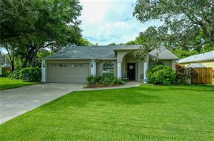 Photo of 2525 SOUTHERN OAK CIRCLE, CLEARWATER, FL 33764 (MLS # U8054844)