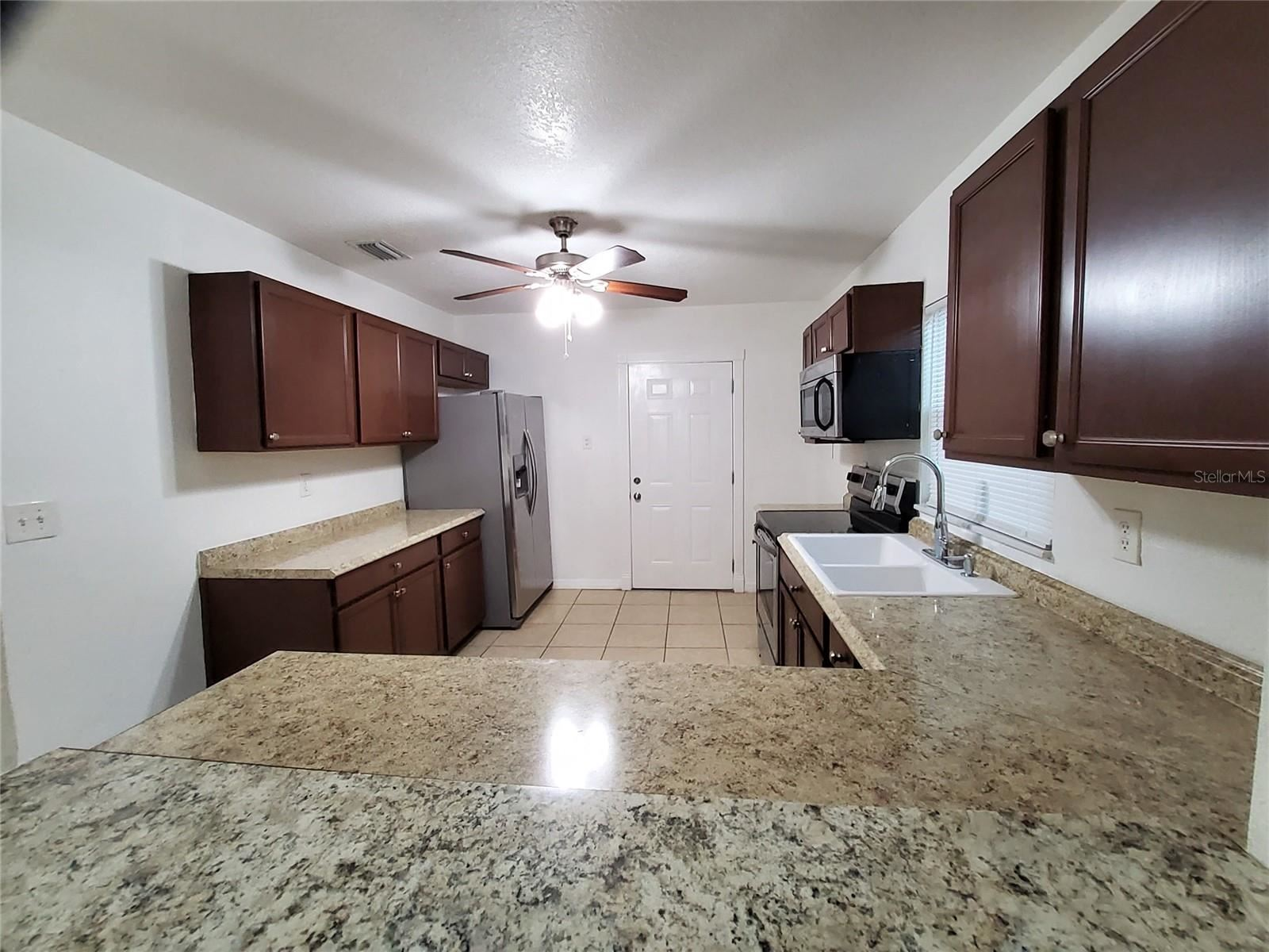 Photo of 808 27TH AVENUE W, BRADENTON, FL 34205 (MLS # A4515845)