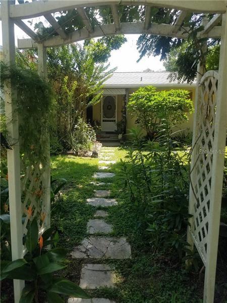 1950 OAK LANE, Orange City, FL 32763 - #: V4915845