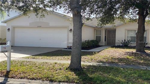Photo of 12729 KINGS LAKE DRIVE, GIBSONTON, FL 33534 (MLS # T3220849)