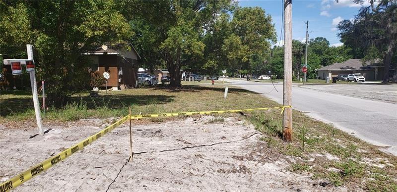 Photo of 233 W 8TH STREET, APOPKA, FL 32703 (MLS # O5871850)