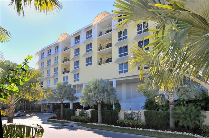 Photo of 915 SEASIDE DRIVE #613, Weeks 4-5, SARASOTA, FL 34242 (MLS # A4478856)