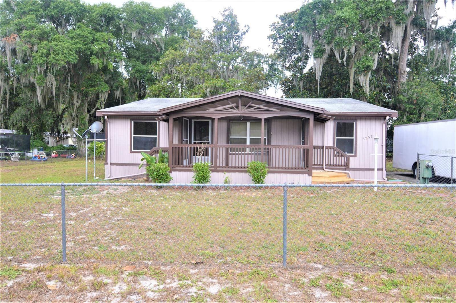 1958 CR 439CW, Lake Panasoffkee, FL 33538 - #: T3310857