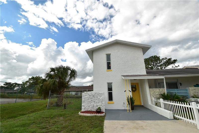 Photo of 204 DAWN COURT, KISSIMMEE, FL 34743 (MLS # S5041859)
