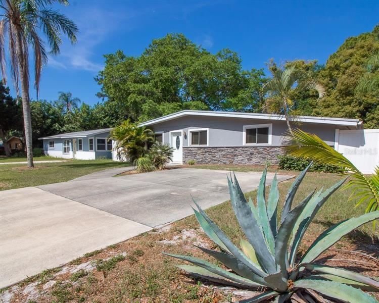 Photo of 936 CHARLOTTE AVENUE, SARASOTA, FL 34237 (MLS # A4499862)