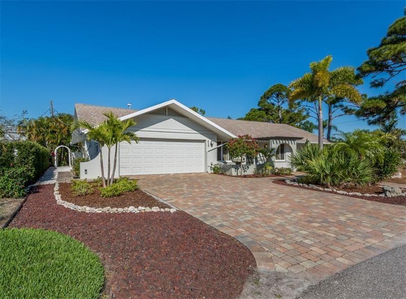 Photo of 420 BEACH PARK BOULEVARD, VENICE, FL 34285 (MLS # N6109871)